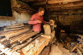 The wood turner and the story of the long lost lathe